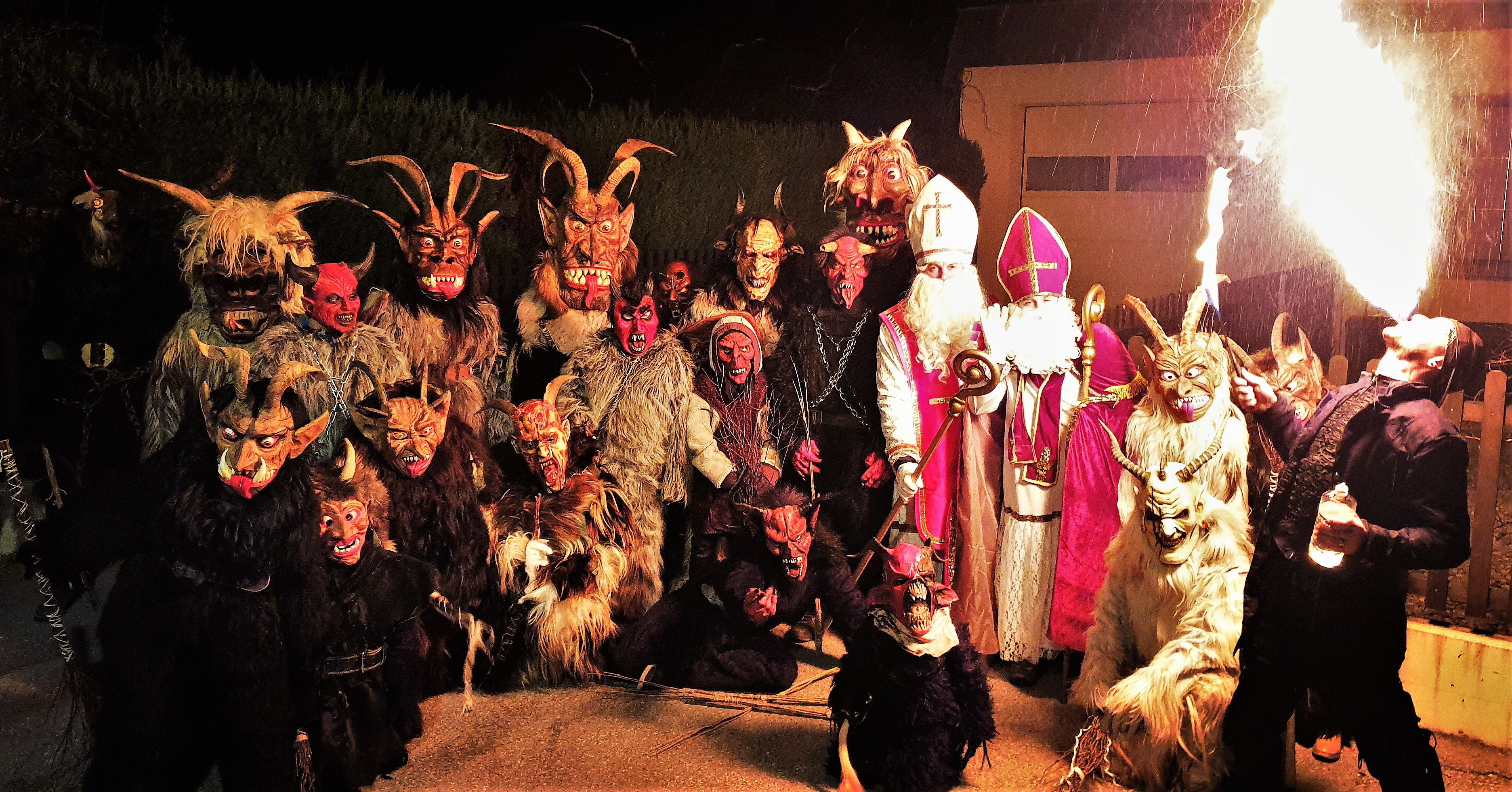 Perchten und Krampusse sorgten für Spektakel in Reichenau