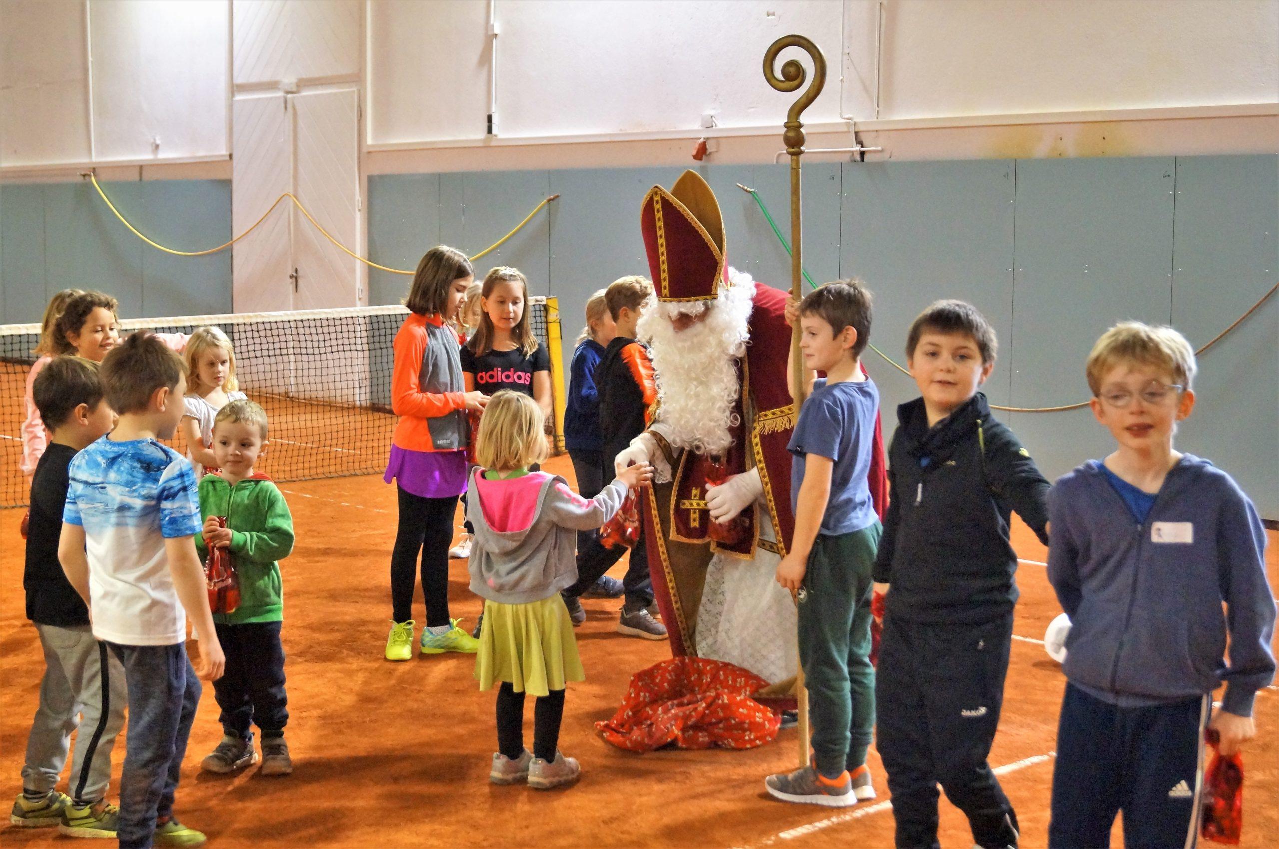 Kinder, Tennis und Nikolaus im Eldorado in Payerbach