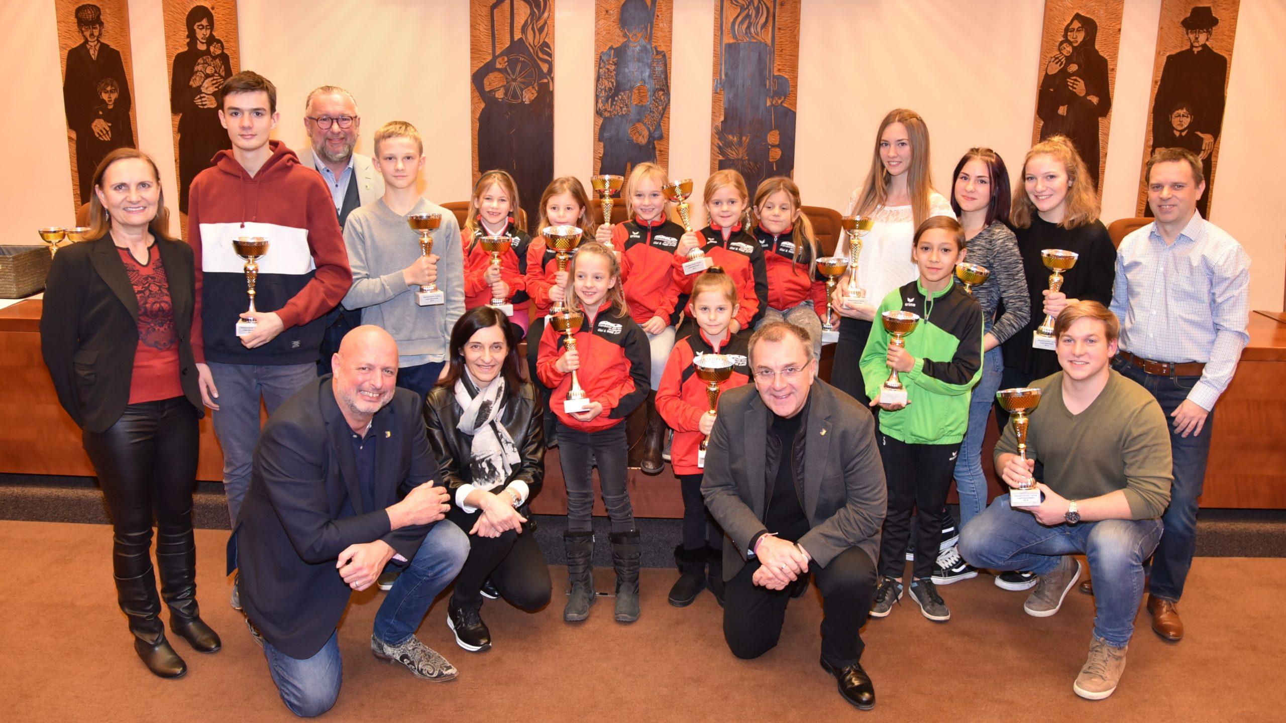 Junge Sporttalente wurden im Ternitzer Rathaus geehrt
