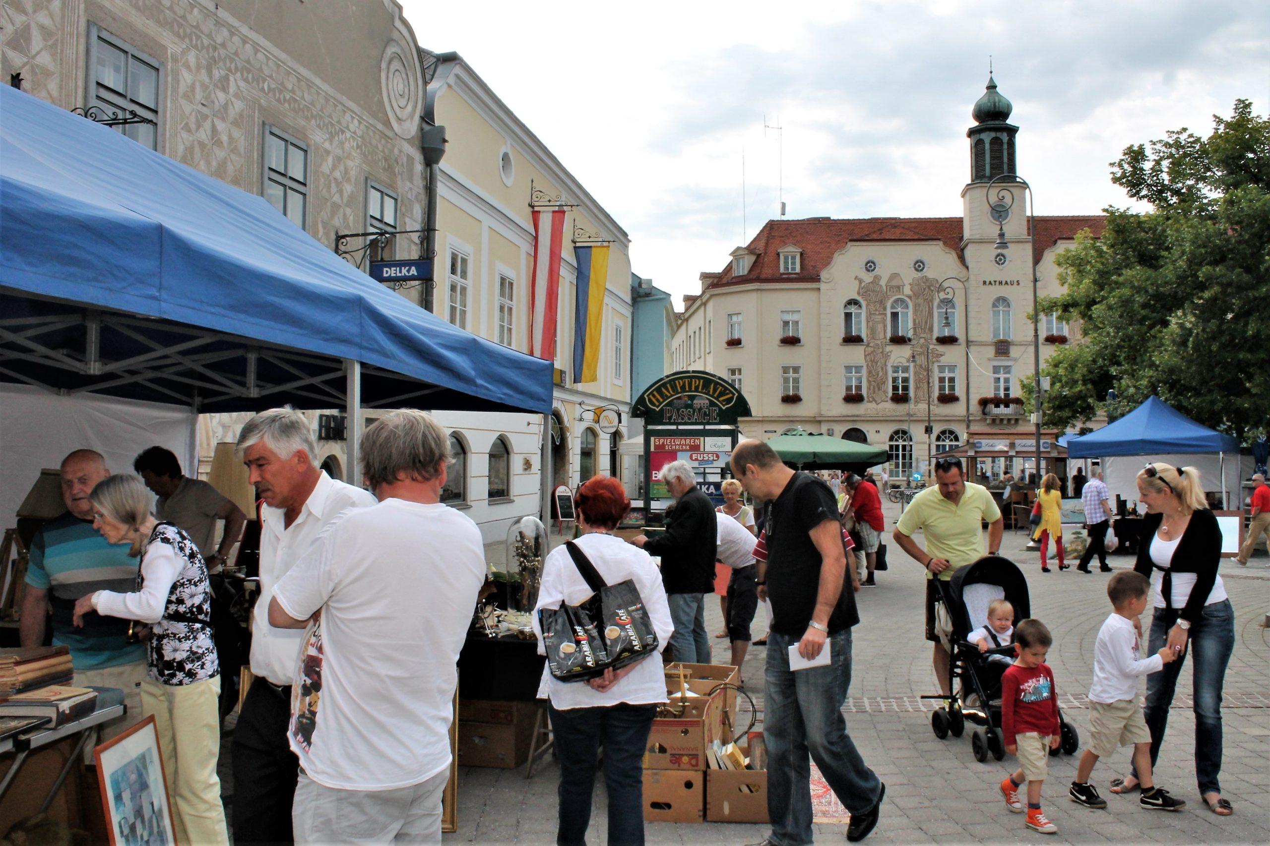 Antik- und Sammlermarkt und Bauernmarkt locken im Juli nach Neunkirchen
