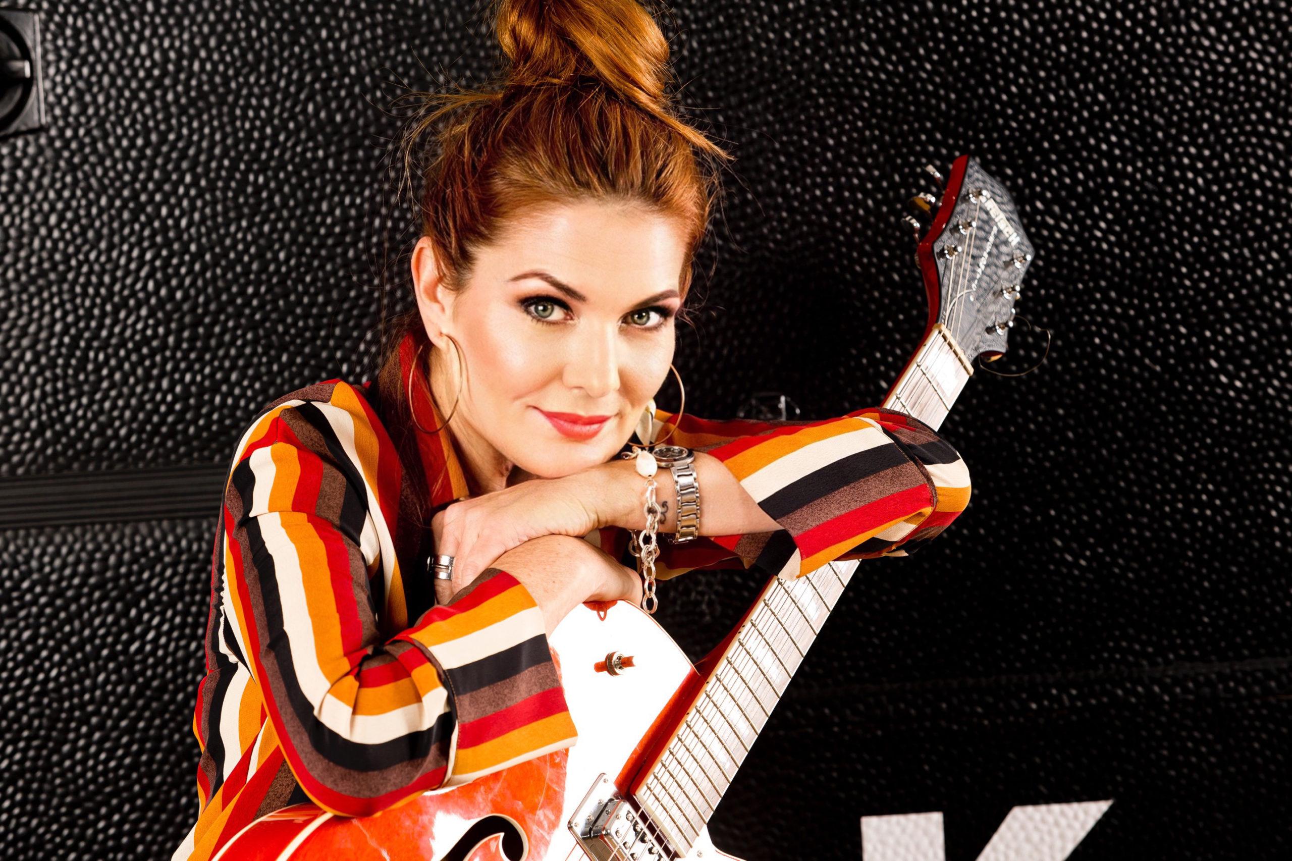 Chantal Dorn serviert mit 'Feuerfest' frische Pop-Chansons mit Tiefgang
