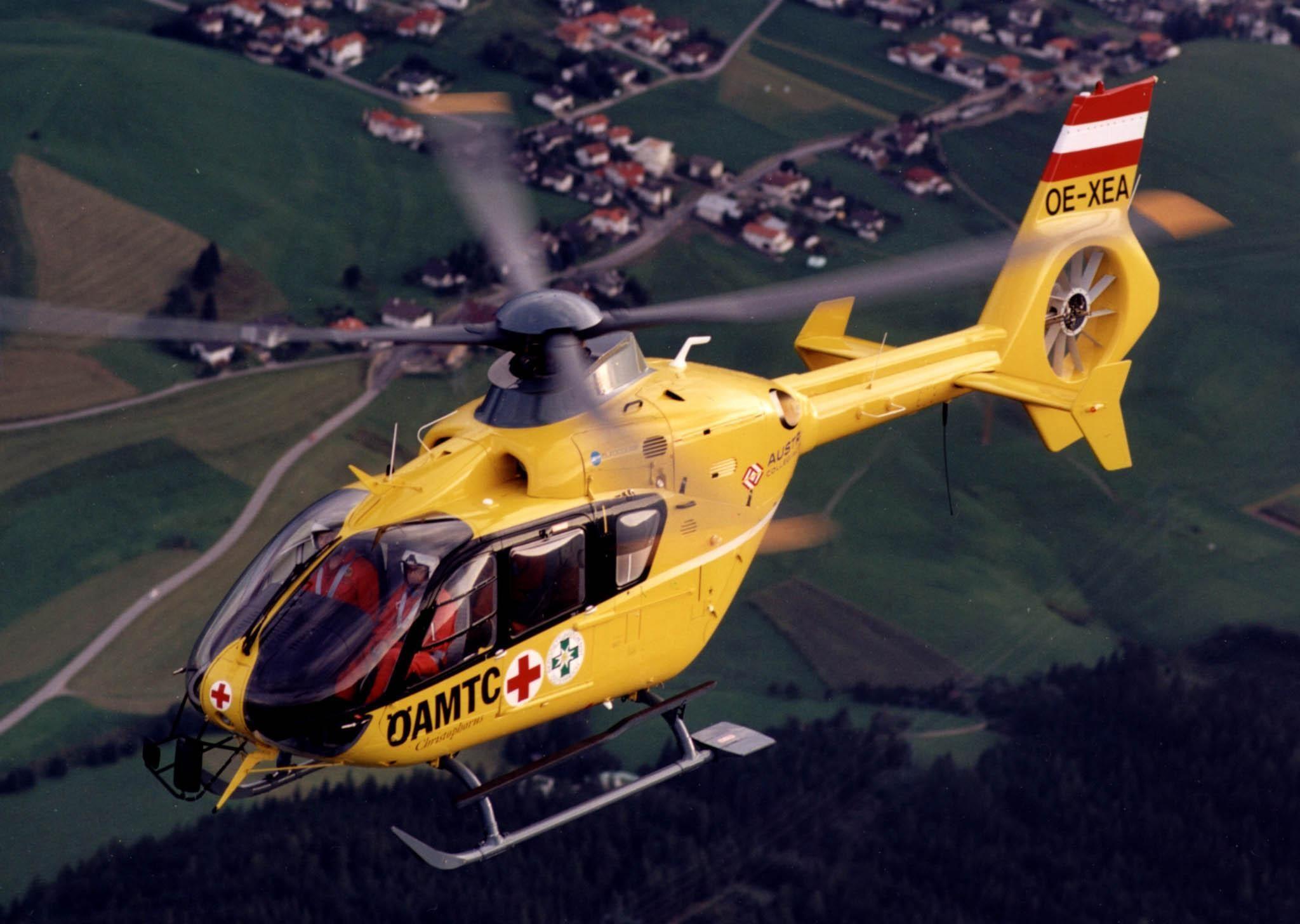 Unfall und Fahrerflucht im Höllental  – Polizei sucht Frau mit einem gelben Auto