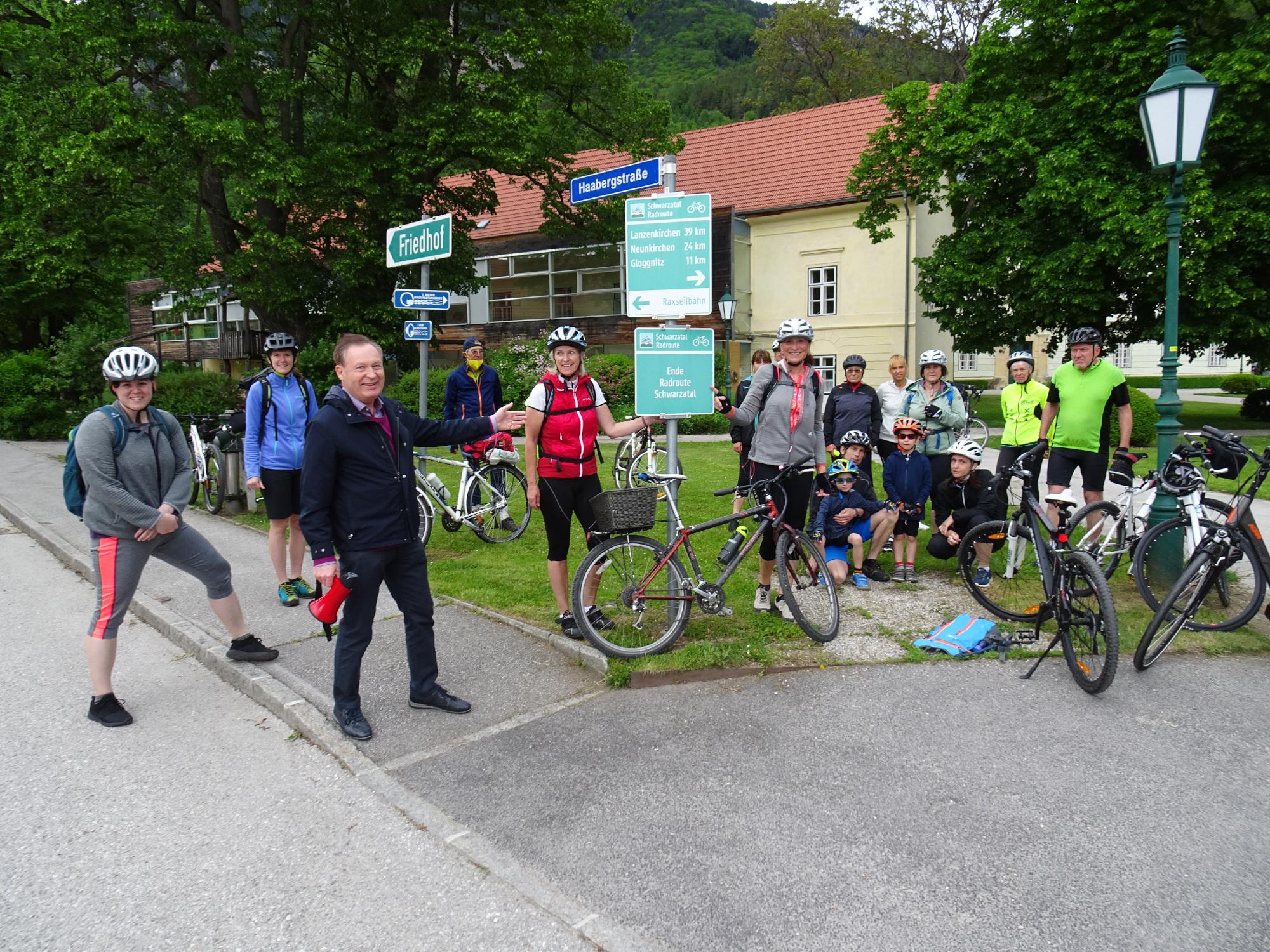 Regenreicher regionaler Radwandertag im Schwarzatal