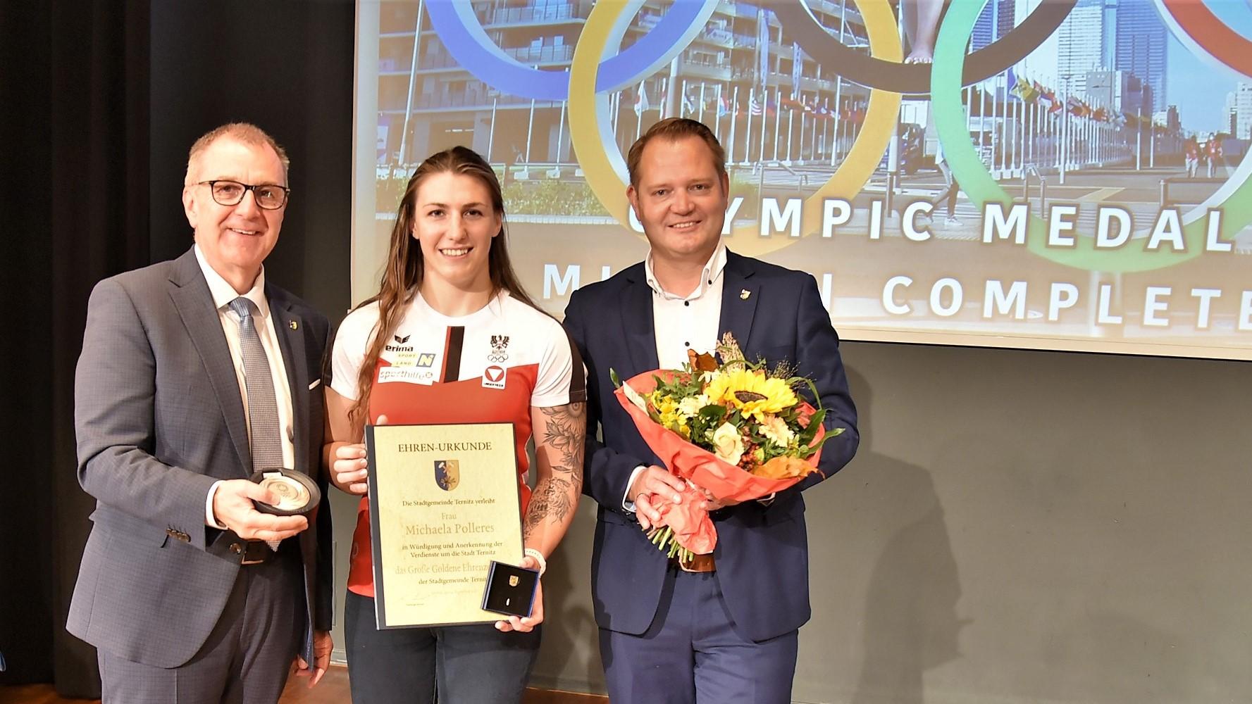 Goldenes Ehrenzeichen für Olympia-Silbermedaillen-Gewinnerin  Michaela Polleres