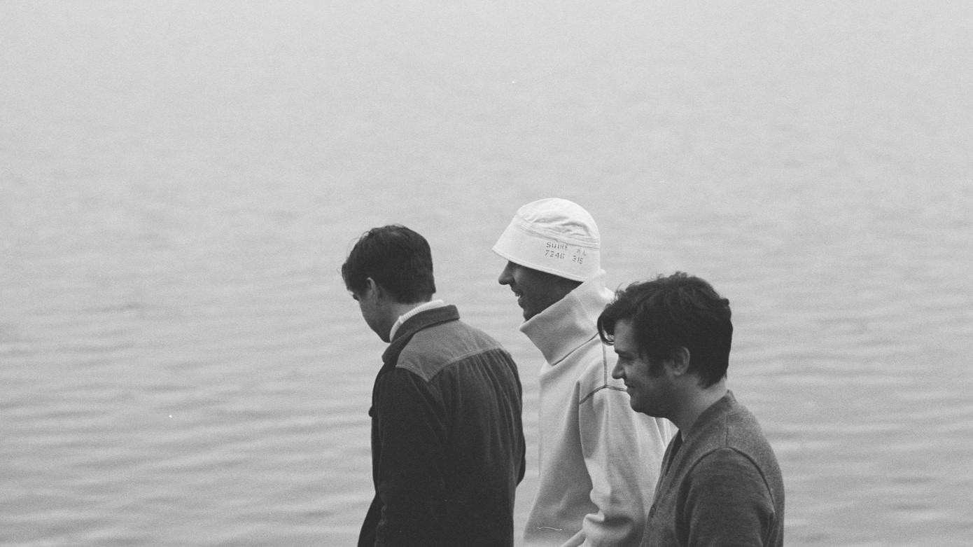 Das kanadische Trio BadBadNotGood kehrt mit 'Talk Memory' zurück zu seinen instrumentalen Wurzeln